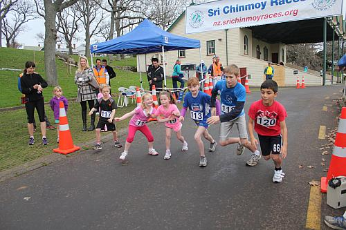 Sri Chinmoy Half Mthn 5-10k & Children's 1.5k, Auckland Domain ... 04 Aug 2013