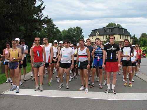 2008 Self-Transcendence 6 & 12 km Run, Ottawa  (mostly runners)