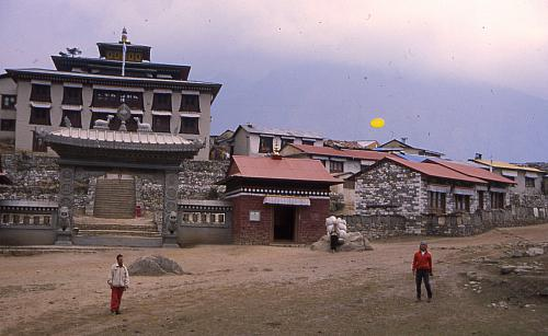 Frisbee in front of Tangboche monastery